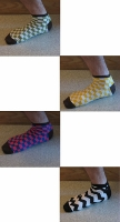 Quatre chaussettes basses à carreaux