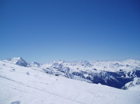 Vue panoramique des Alpes depuis le glacier de Bellecôte