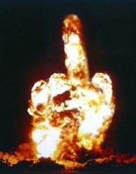 Champignon nucléaire en forme de doigt d'honneur