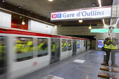 Arrivée du métro dans la gare d'Oullins