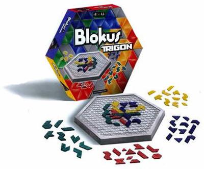 Boîte et plateau du jeu Blokus trigon